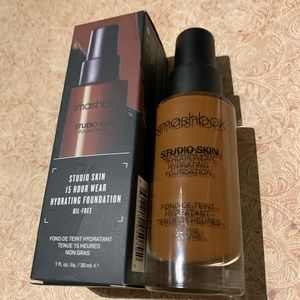 SMASHBOX Hydrating Foundation